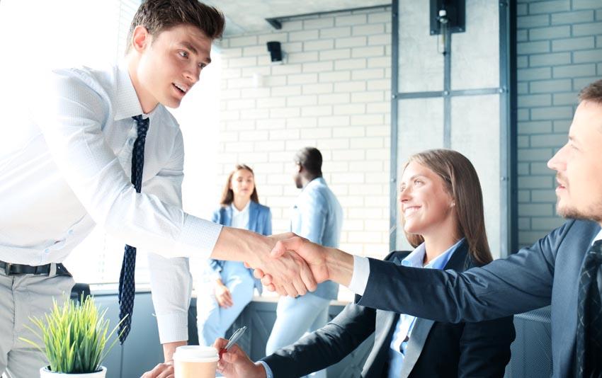 企業のメリット:優秀な人材を地域問わず採用できる