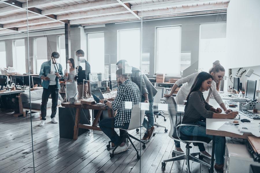 会社の就業規則と法律の関係