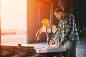 「建設業の人手不足」の理由と打破するための3つの改善ポイントを解説