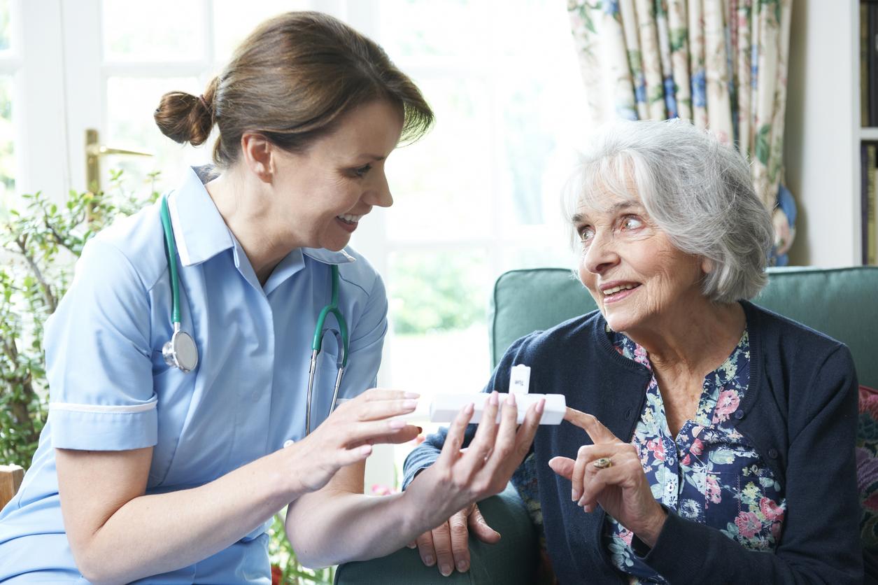 介護期間が長期間にわたる人は介護休業を取得すべき